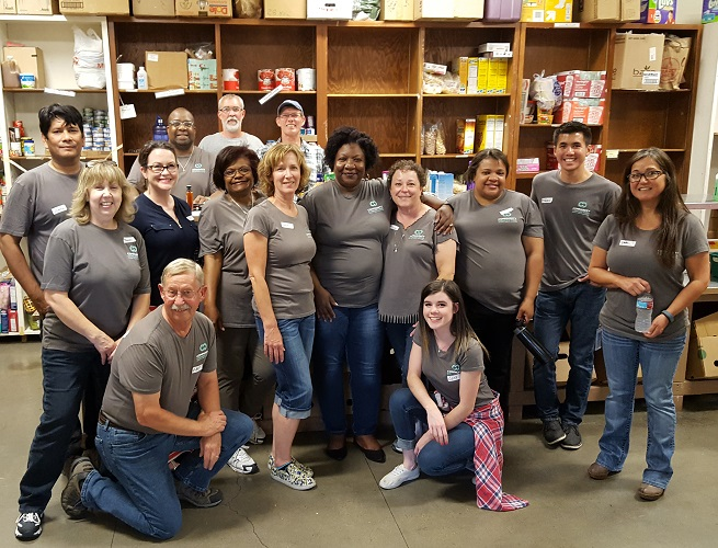 Tacoma Public Utilities volunteers at food pantry