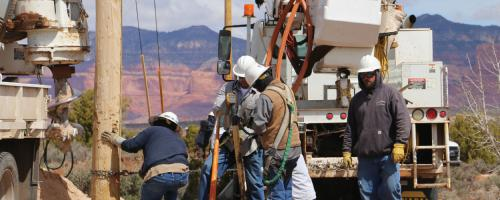 volunteer crews working in the Navajo Nation